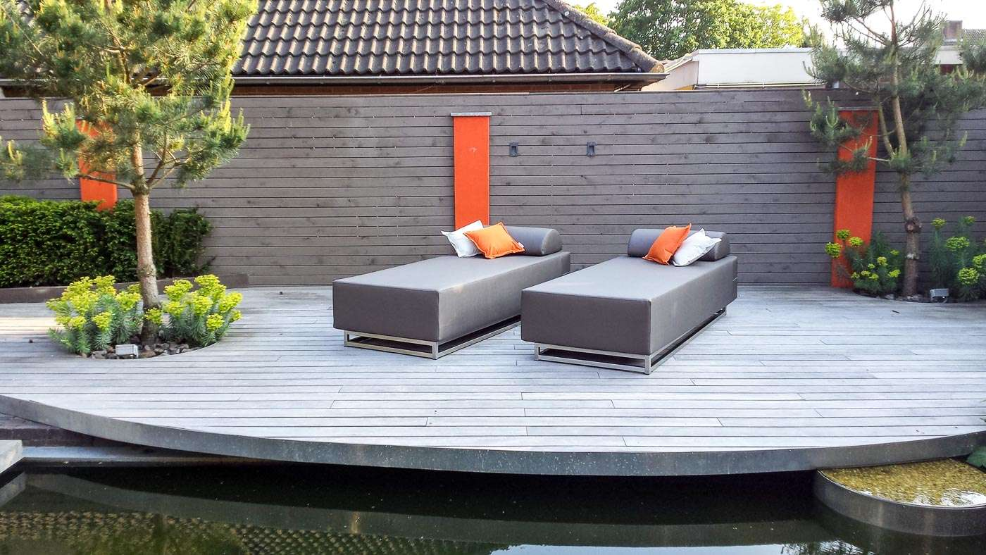 large round outdoor lounger
